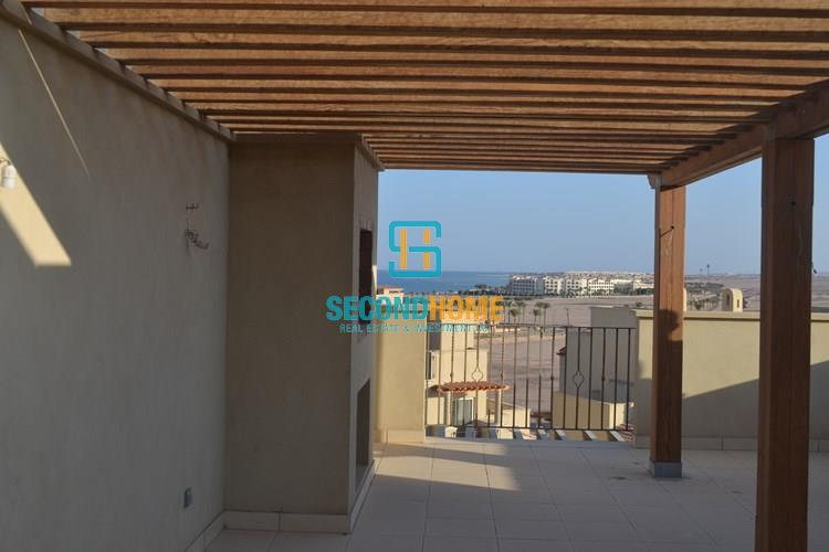 1 bedroom flat with roof amazing Sea View