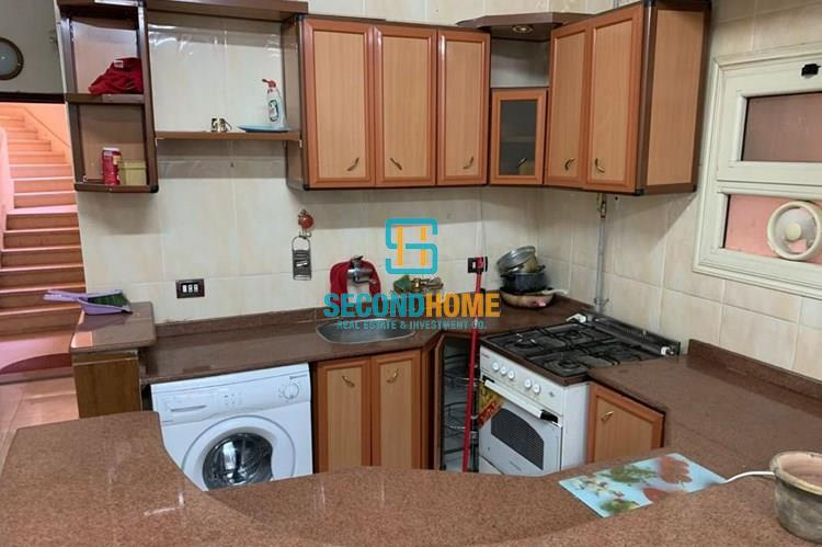 2 bedroom flat in El Kawhter fully furnished